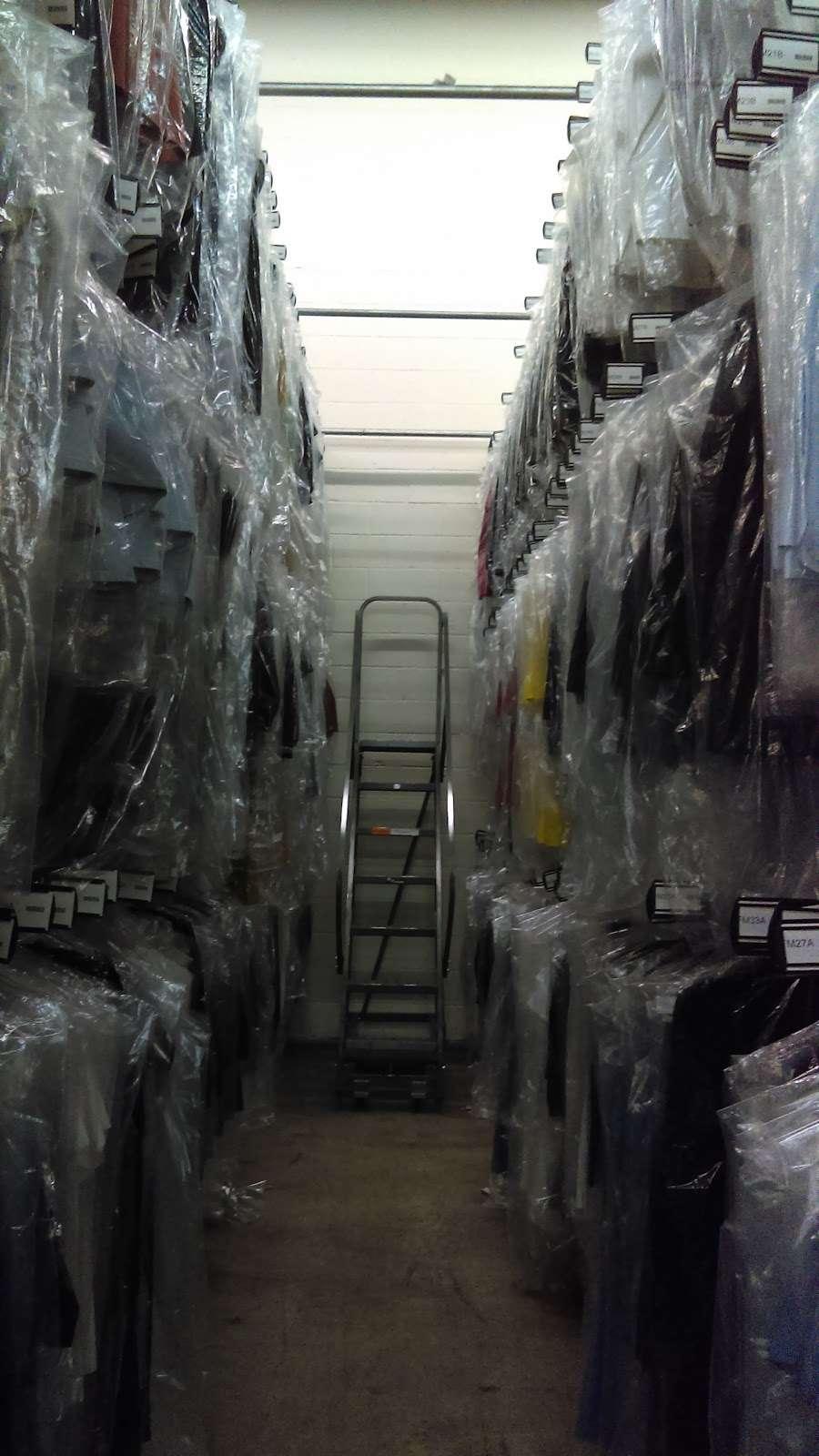 Port Logistics Group - storage    Photo 4 of 6   Address: 125 Castle Rd, Secaucus, NJ 07094, USA   Phone: (201) 865-2121
