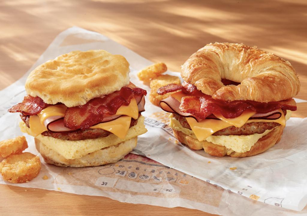 Burger King - restaurant  | Photo 5 of 10 | Address: Hms Host Vince Lombardi Travel Plaz, Ridgefield, NJ 07657, USA | Phone: (201) 943-1171