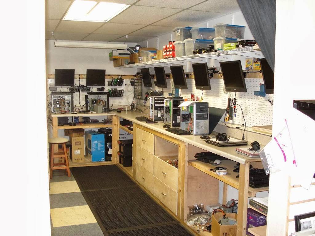 Alafia Computers - electronics store  | Photo 2 of 3 | Address: 9427 US-301, Riverview, FL 33578, USA | Phone: (813) 672-7755