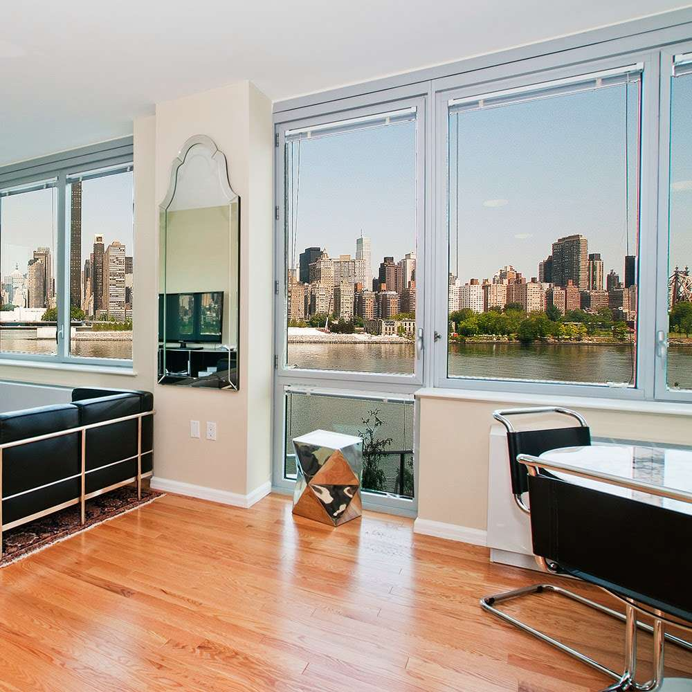 4540 Center Boulevard - real estate agency  | Photo 9 of 10 | Address: 4540 Center Blvd, Long Island City, NY 11109, USA | Phone: (718) 606-9440