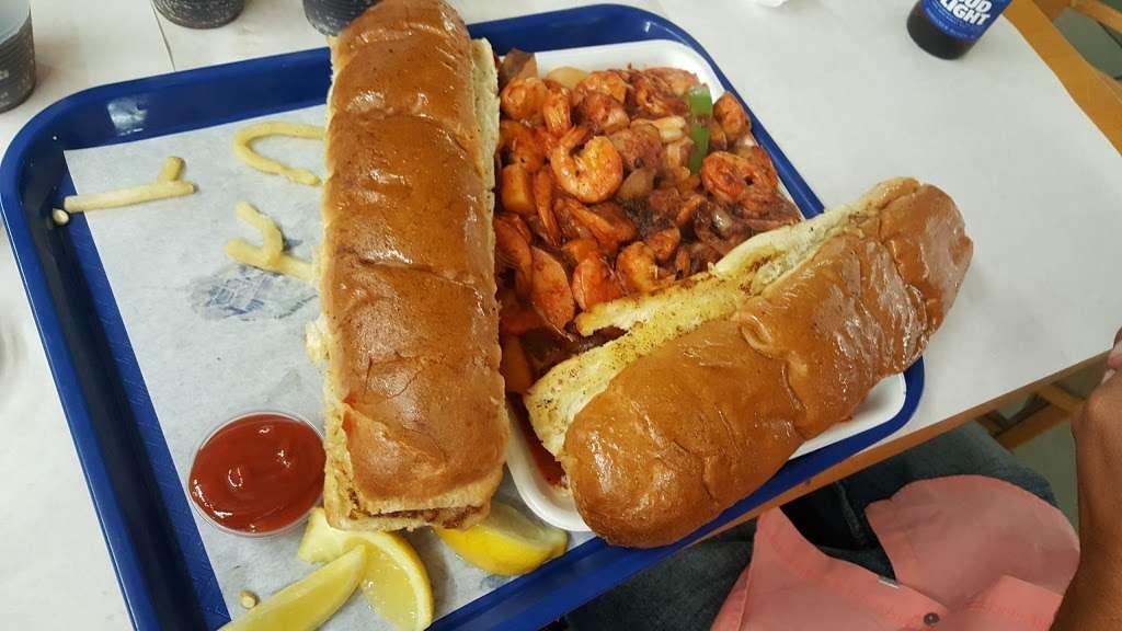 Fun Fish Market - restaurant  | Photo 4 of 10 | Address: 123 International Boardwalk, Redondo Beach, CA 90277, USA | Phone: (310) 374-4277