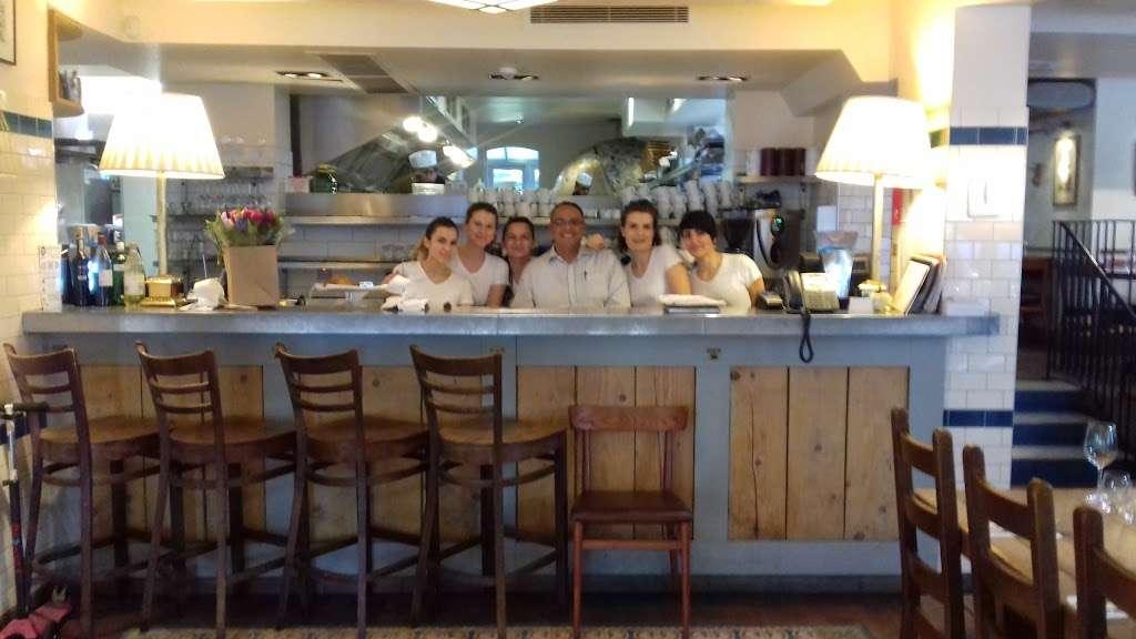 Rocca Di Papa - restaurant    Photo 5 of 10   Address: 75-79 Dulwich Village, London SE21 7BJ, UK   Phone: 020 8299 6333