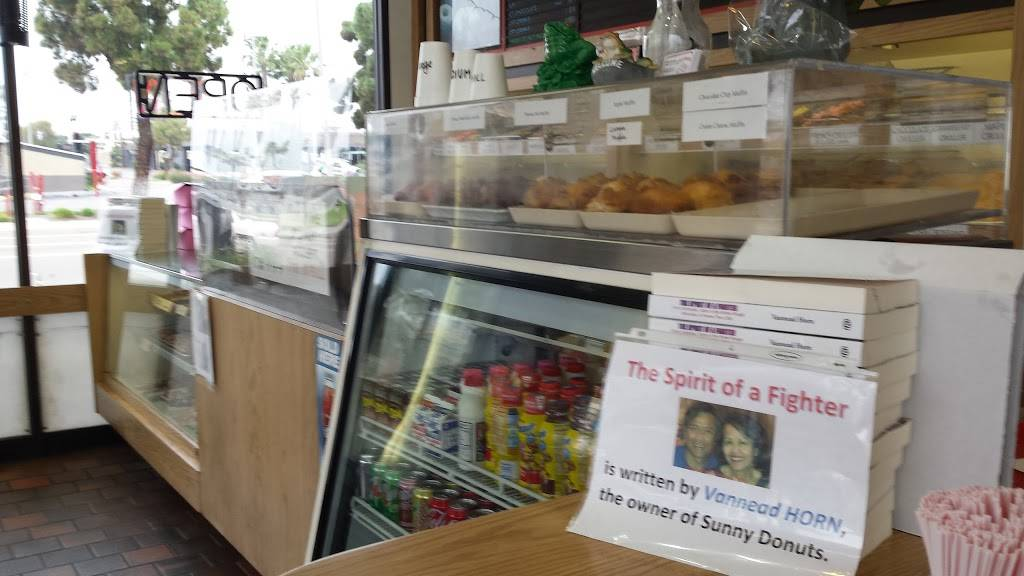 Sunny Donuts - bakery  | Photo 5 of 9 | Address: 601 Broadway, Chula Vista, CA 91910, USA | Phone: (619) 422-8115