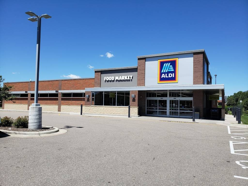 ALDI - supermarket  | Photo 1 of 9 | Address: 10216 Lexington Ave NE, Circle Pines, MN 55014, USA | Phone: (855) 955-2534