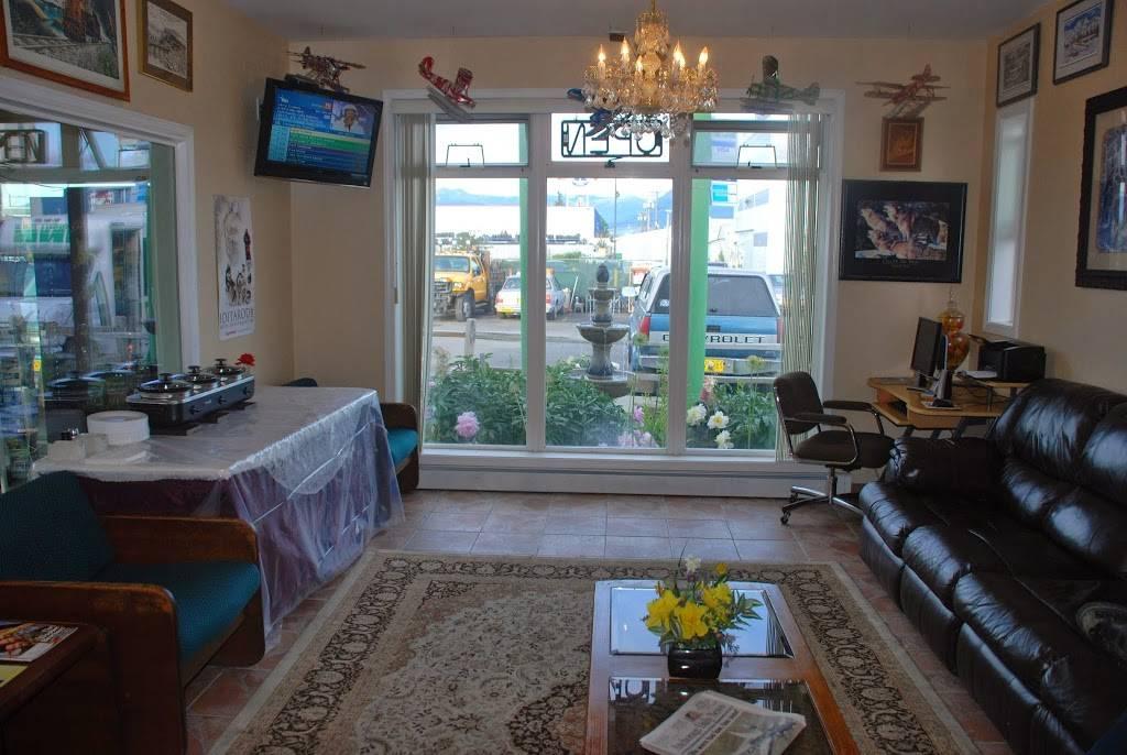 Merrill Field Inn - lodging  | Photo 7 of 9 | Address: 420 Sitka St, Anchorage, AK 99501, USA | Phone: (907) 276-4547
