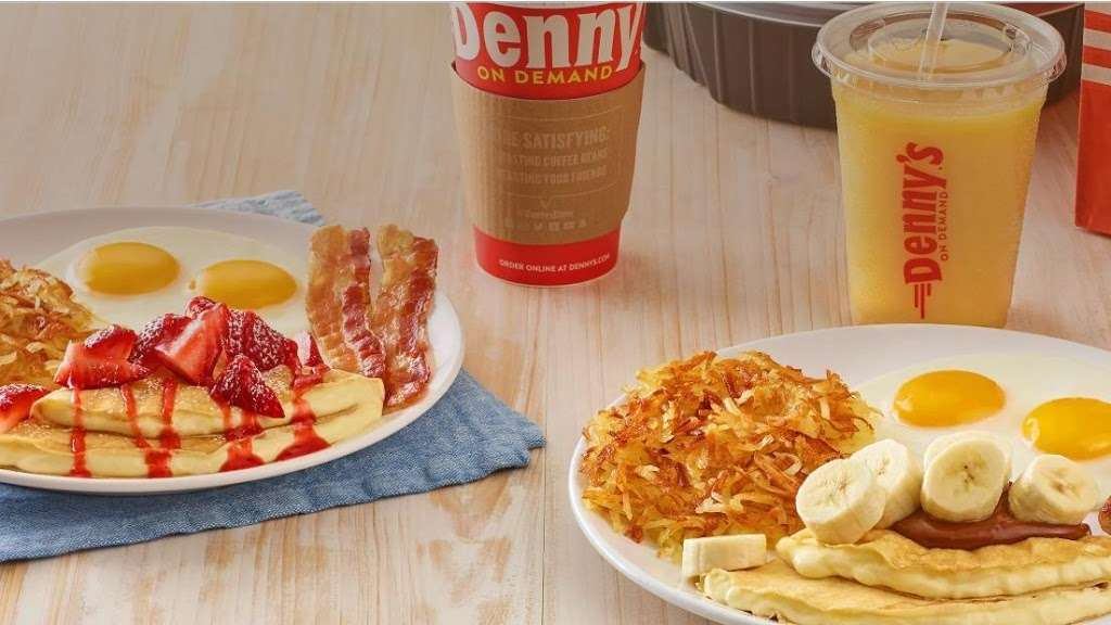 Dennys - restaurant  | Photo 1 of 10 | Address: 7207 Garth Rd, Baytown, TX 77521, USA | Phone: (281) 839-1191