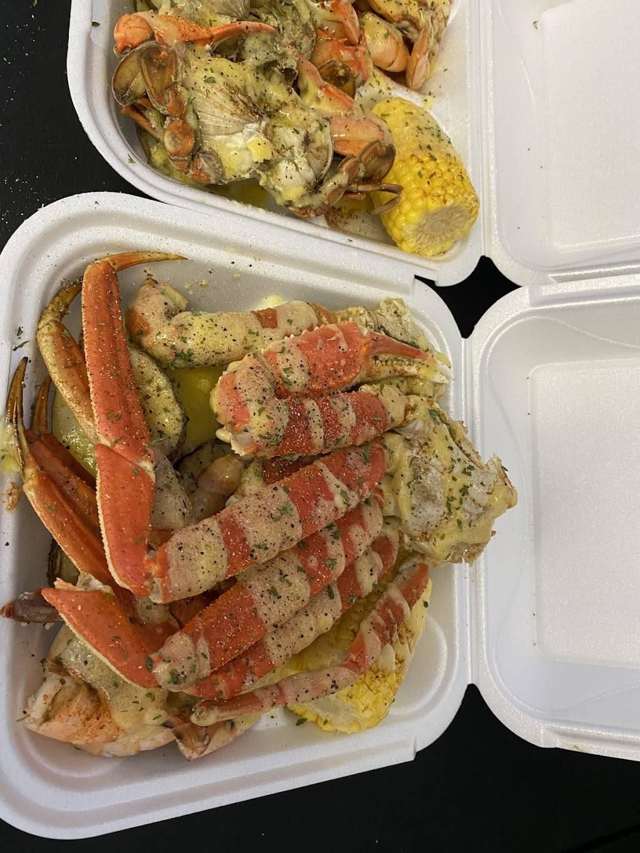 Tampa Blu - restaurant  | Photo 6 of 7 | Address: 6844 N 50th St, Tampa, FL 33610, USA | Phone: (813) 300-5032