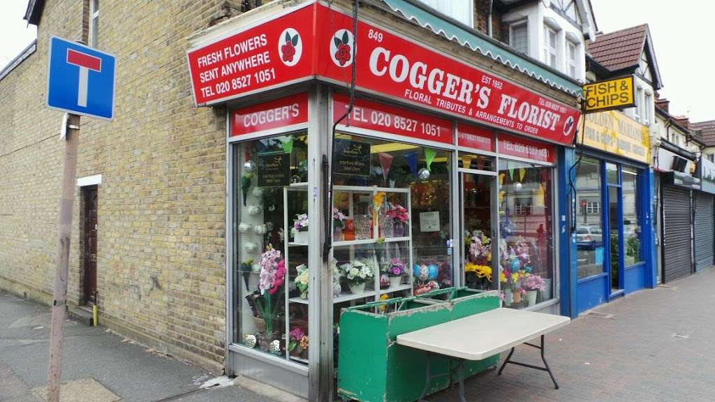 Coggers in Bloom - florist  | Photo 2 of 10 | Address: 849 Forest Rd, Walthamstow, London E17 4AT, UK | Phone: 020 8527 1051