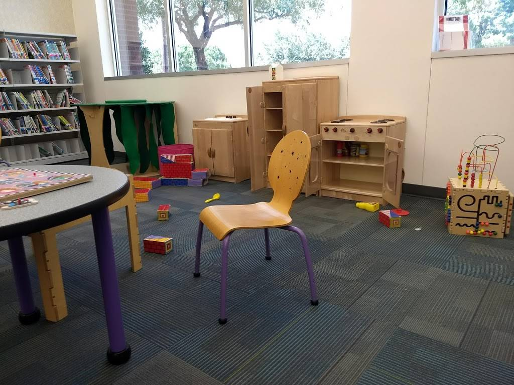Parr Library - library  | Photo 5 of 10 | Address: 6200 Windhaven Pkwy, Plano, TX 75093, USA | Phone: (972) 769-4300