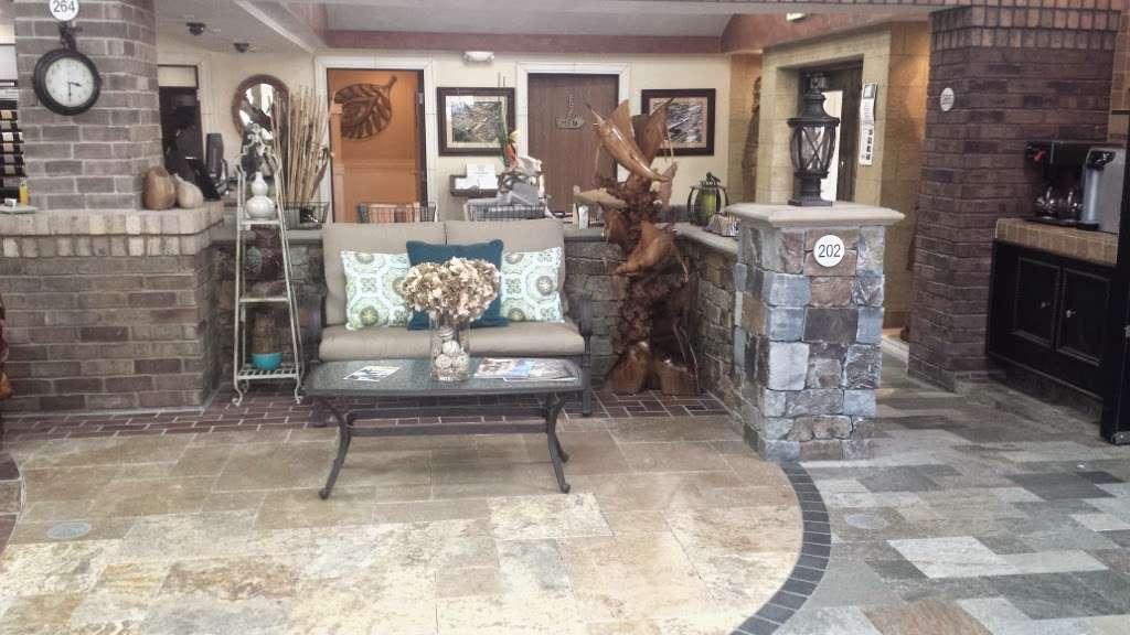 Thompson Building Materials-Fontana - furniture store    Photo 4 of 10   Address: 11027 Cherry Ave, Fontana, CA 92337, USA   Phone: (909) 350-3000