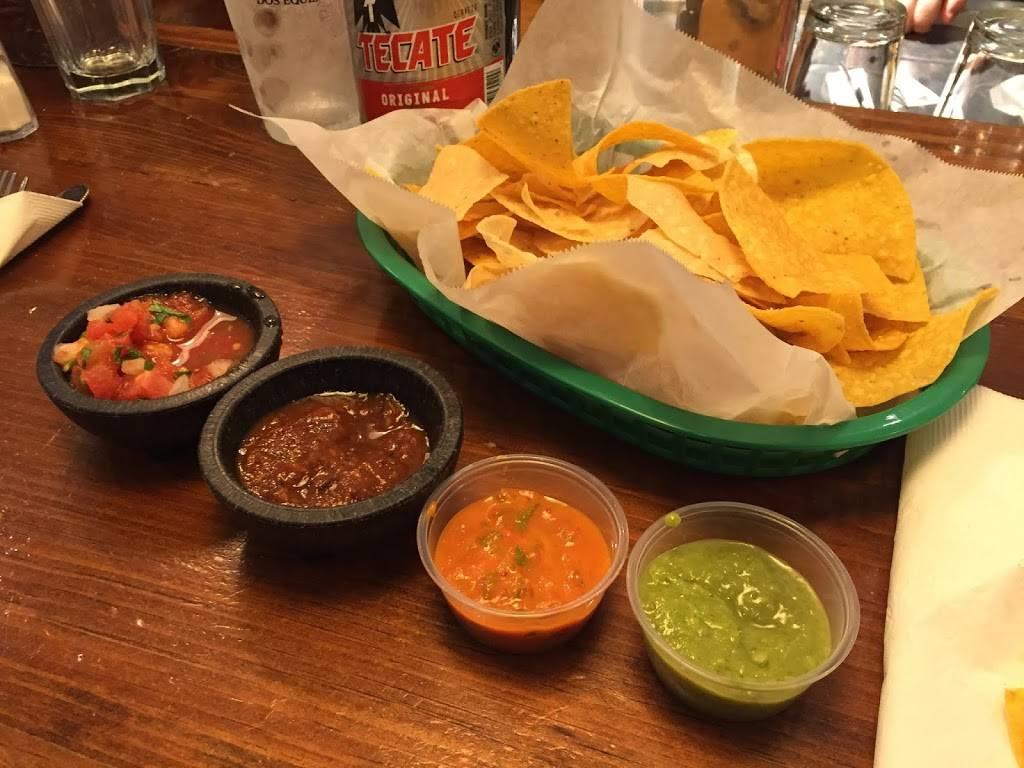 Taqueria El Vecino - restaurant    Photo 10 of 10   Address: 2743 Lavista Rd, Decatur, GA 30033, USA   Phone: (404) 929-0301