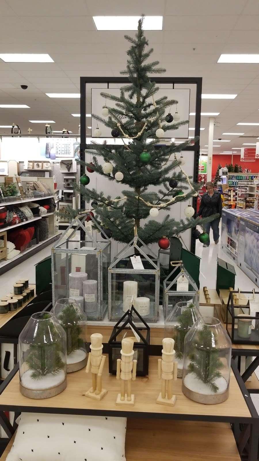 Target - department store    Photo 4 of 10   Address: 10 Crooked Run Plaza, Front Royal, VA 22630, USA   Phone: (540) 631-3290