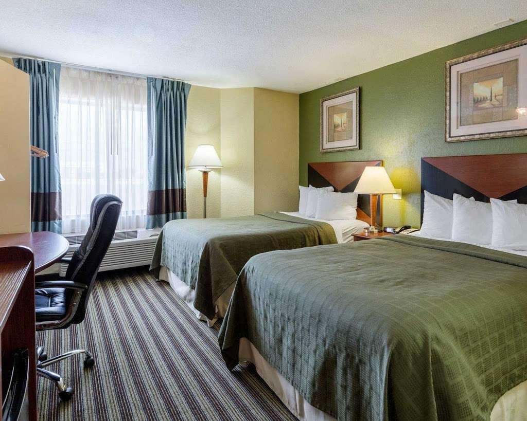 Quality Inn - lodging    Photo 2 of 10   Address: 5222 Interstate 10 E, Baytown, TX 77521, USA   Phone: (281) 421-7200
