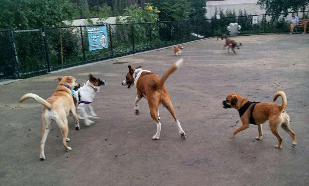 Torsney/Lou Lodati Playground - park  | Photo 9 of 10 | Address: 41-15 Skillman Ave, Long Island City, NY 11104, USA | Phone: (212) 639-9675