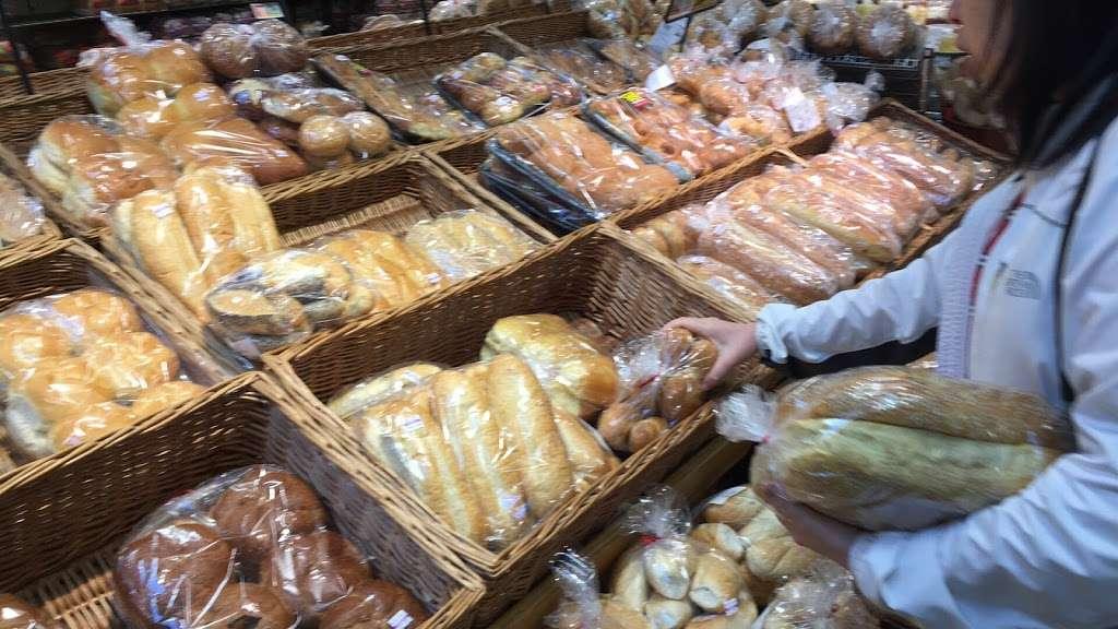 ShopRite of Hamilton Market Place - store  | Photo 1 of 10 | Address: 130 Marketplace Blvd, Hamilton Township, NJ 08691, USA | Phone: (609) 581-5823