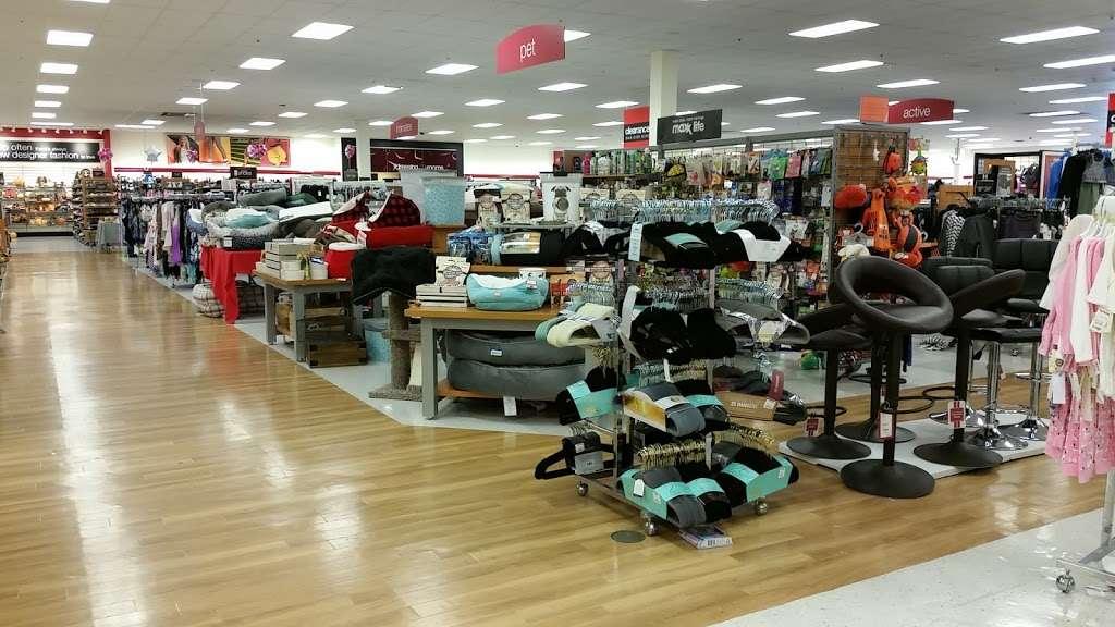 T.J. Maxx - department store  | Photo 4 of 10 | Address: 1401 Hawthorne Blvd, Redondo Beach, CA 90278, USA | Phone: (310) 214-3212