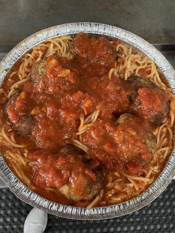 First Family Pizzeria - restaurant  | Photo 7 of 8 | Address: 1840 Nereid Ave, The Bronx, NY 10466, USA | Phone: (718) 798-5084