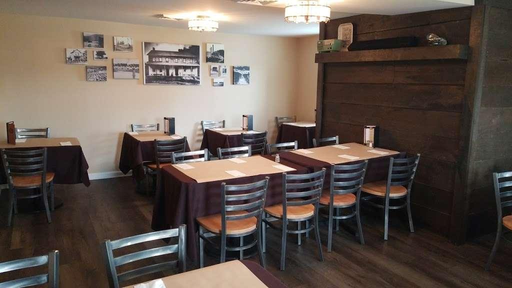 Berlinsville Hotel - restaurant  | Photo 1 of 10 | Address: 4588 Lehigh Dr, Walnutport, PA 18088, USA | Phone: (610) 767-6022
