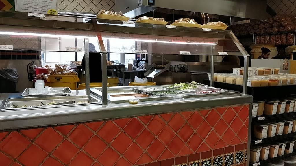 Vallarta Supermarkets - supermarket  | Photo 3 of 10 | Address: 5951 Niles St, Bakersfield, CA 93306, USA | Phone: (661) 366-4916
