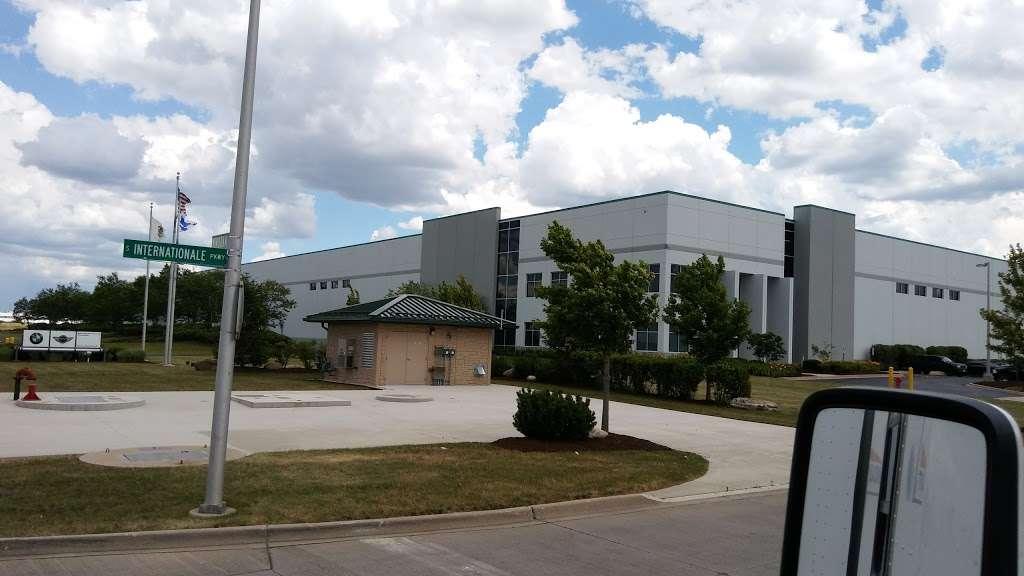 BMW of North America - real estate agency    Photo 1 of 10   Address: 200 International Pkwy, Minooka, IL 60447, USA   Phone: (815) 290-7000