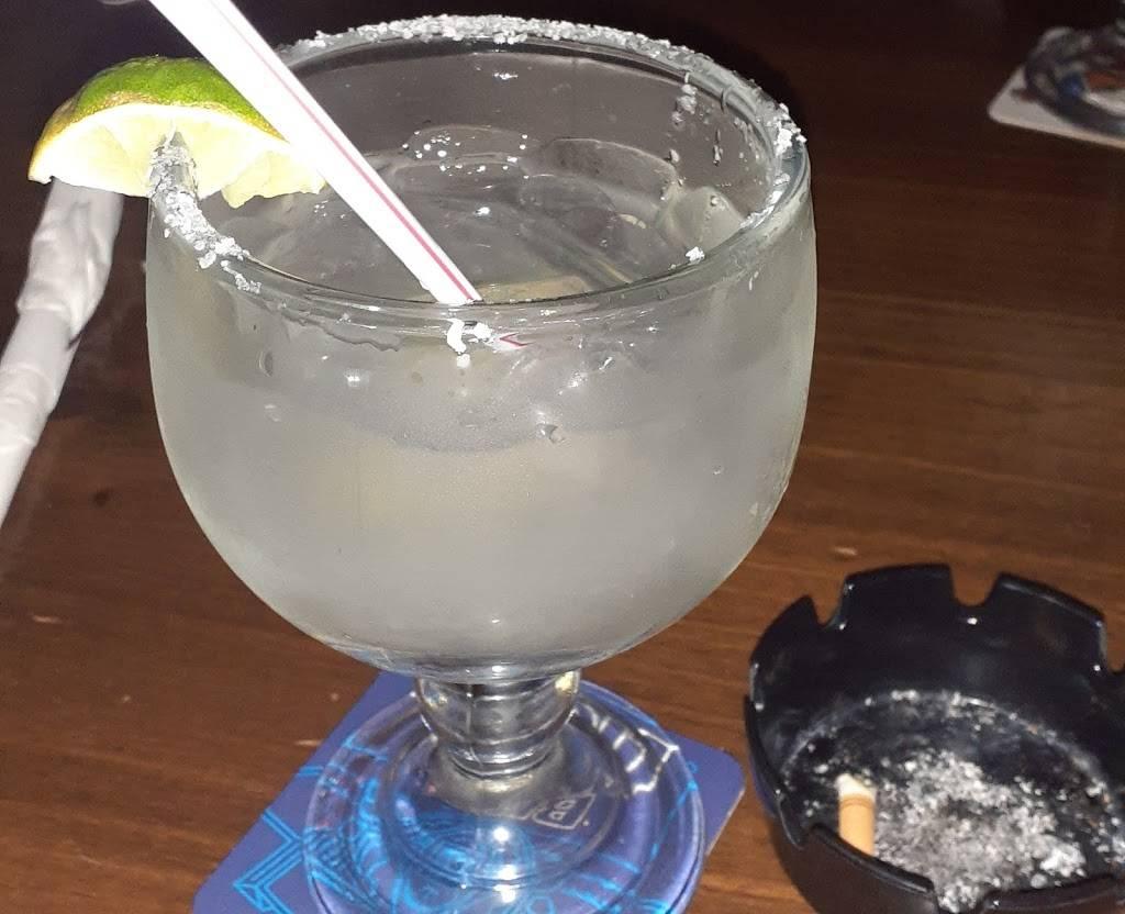 Cujos Sports Bar & Grill - restaurant    Photo 4 of 8   Address: 5811 4th St, Lubbock, TX 79416, USA   Phone: (806) 791-2622