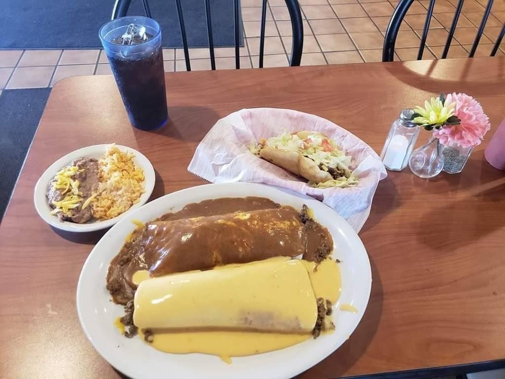 Jonesys taco house - restaurant  | Photo 4 of 10 | Address: 1116 E Locust St, Carter Lake, IA 51510, USA | Phone: (712) 847-0244