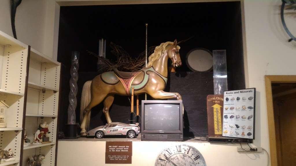 Stone Museum - museum  | Photo 8 of 10 | Address: 608 Spotswood Englishtown Rd, Monroe Township, NJ 08831, USA | Phone: (732) 521-2232