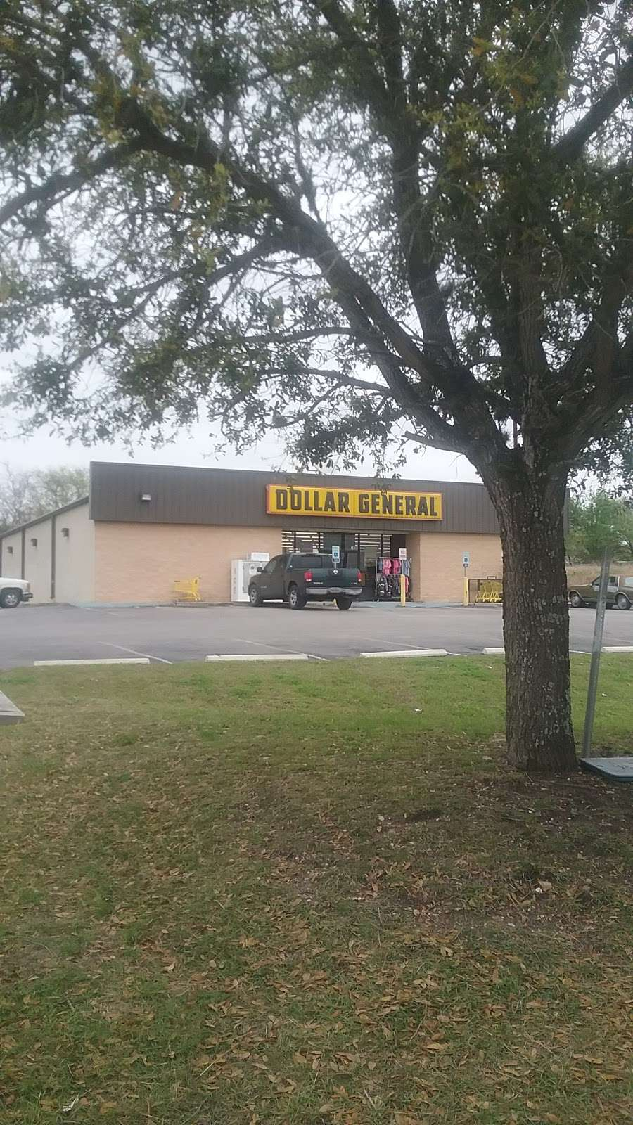 Dollar General - home goods store  | Photo 3 of 10 | Address: 7430 Tarrasa, San Antonio, TX 78239, USA | Phone: (210) 729-9062