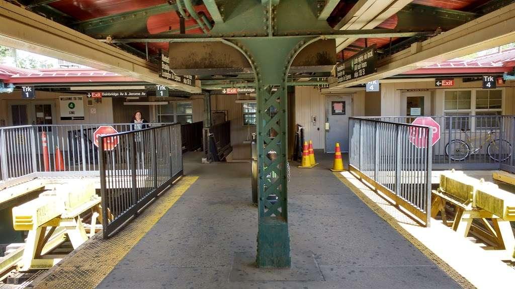 Woodlawn - subway station  | Photo 1 of 10 | Address: Bronx, NY 10467, USA