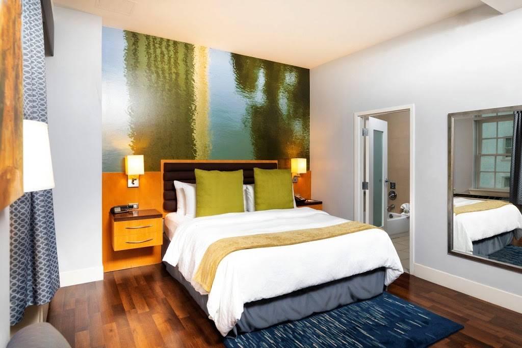 Hotel Indigo Baton Rouge Downtown - lodging  | Photo 5 of 10 | Address: 200 Convention St, Baton Rouge, LA 70801, USA | Phone: (225) 343-1515