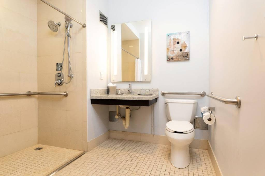 Hotel Indigo Baton Rouge Downtown - lodging  | Photo 3 of 10 | Address: 200 Convention St, Baton Rouge, LA 70801, USA | Phone: (225) 343-1515