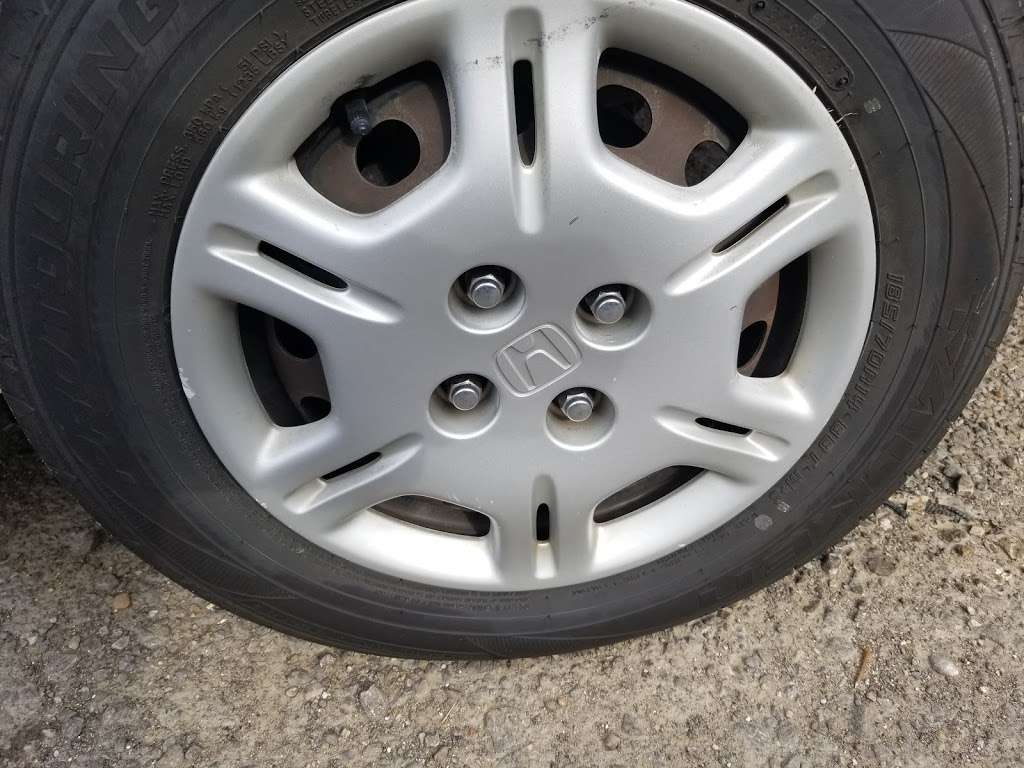 Oveido Auto Parts - car repair  | Photo 1 of 6 | Address: 2790 Dowdy Ferry Rd, Dallas, TX 75217, USA | Phone: (972) 286-5039