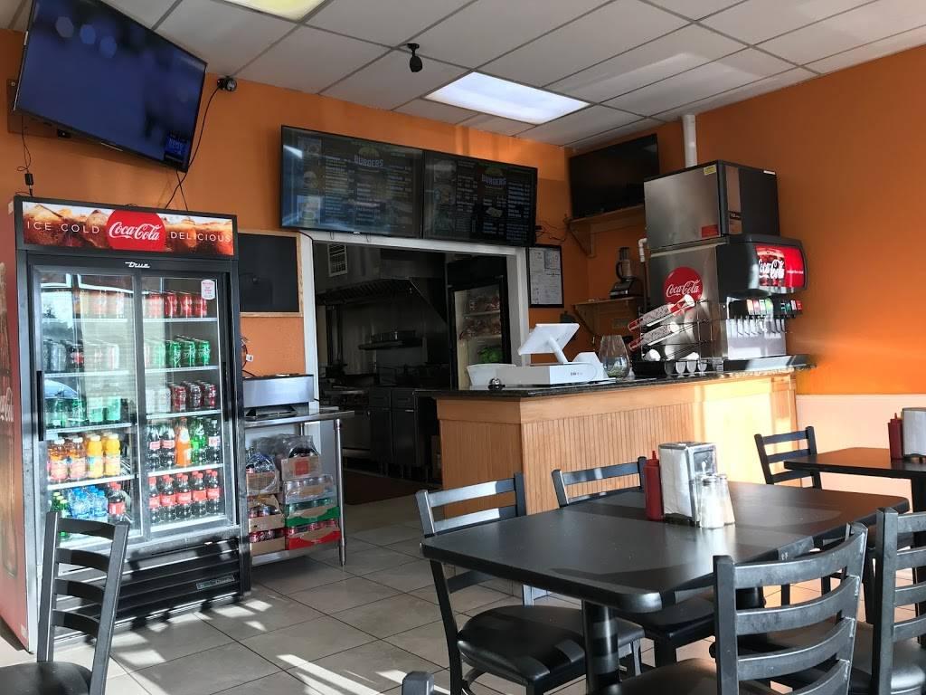 Greenwood Flame Burger - restaurant  | Photo 7 of 10 | Address: 10410 Greenwood Ave N B, Seattle, WA 98133, USA | Phone: (206) 708-7743