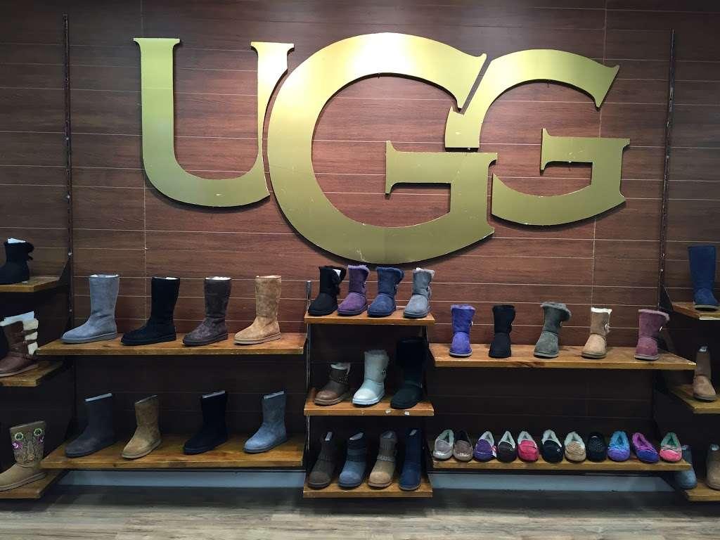 City Streets - shoe store  | Photo 6 of 9 | Address: 1127 Sunrise Hwy, Valley Stream, NY 11581, USA | Phone: (914) 848-4300