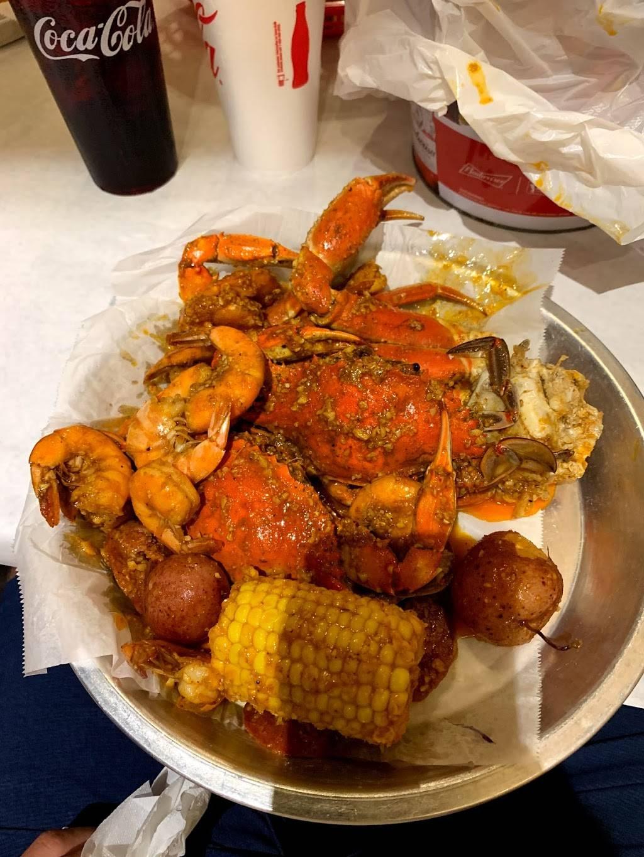 Fiery Crab - restaurant  | Photo 3 of 10 | Address: 6900 Siegen Ln D, Baton Rouge, LA 70809, USA | Phone: (225) 300-4455