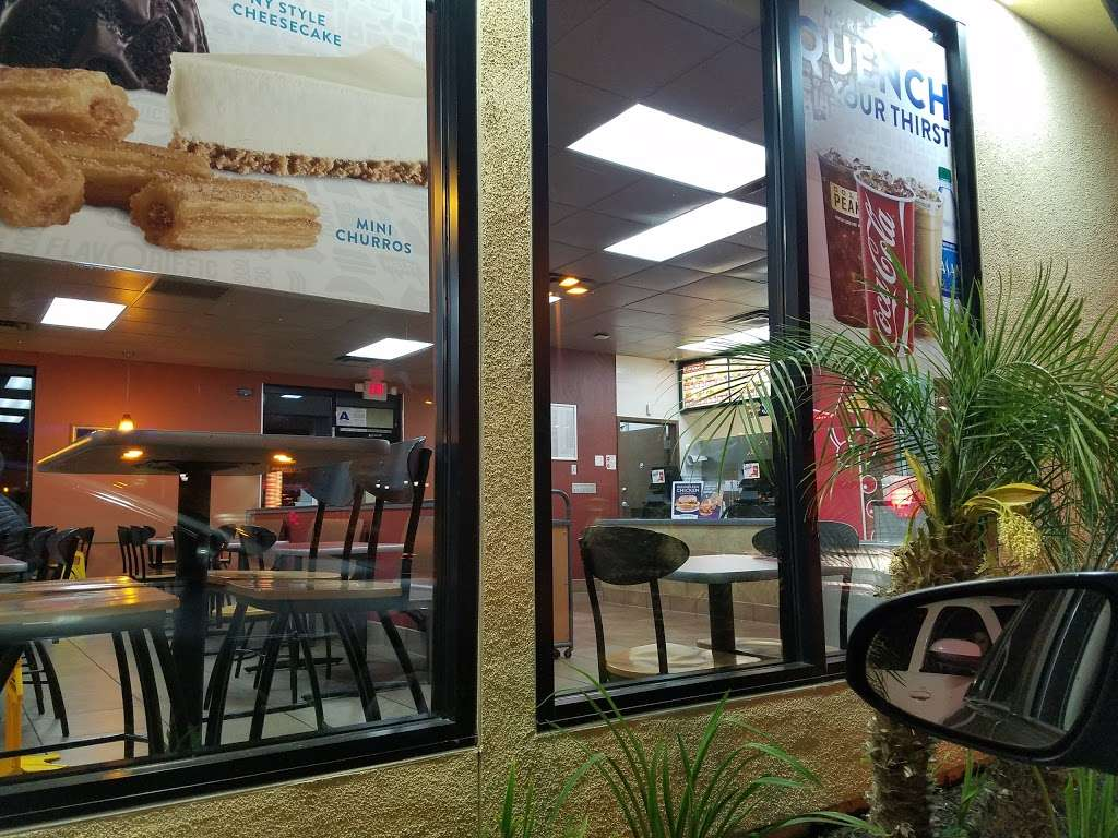 Jack in the Box - restaurant    Photo 3 of 10   Address: 29993 Canyon Hills Rd, Lake Elsinore, CA 92532, USA   Phone: (951) 244-2649