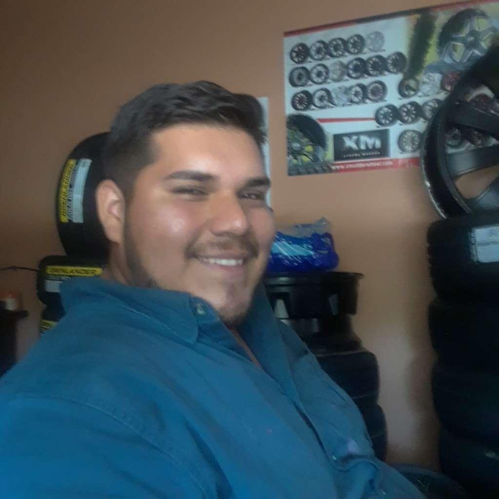Andrades Tire Shop - car repair  | Photo 4 of 4 | Address: 2403 Red Bluff Rd, Pasadena, TX 77506, USA | Phone: (832) 742-5262