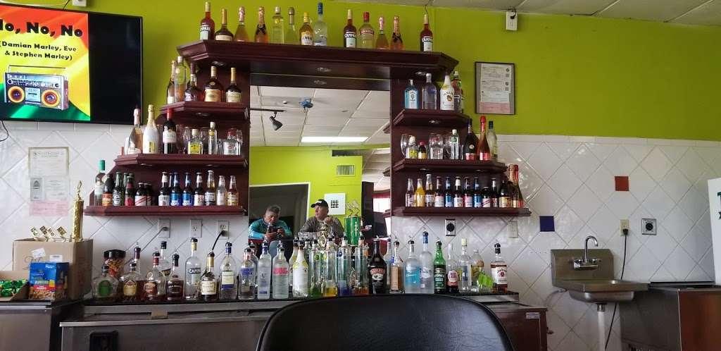 Flavors 27 restaurant &Bar - restaurant  | Photo 1 of 4 | Address: 510 US-27, South Bay, FL 33493, USA | Phone: (561) 708-8138
