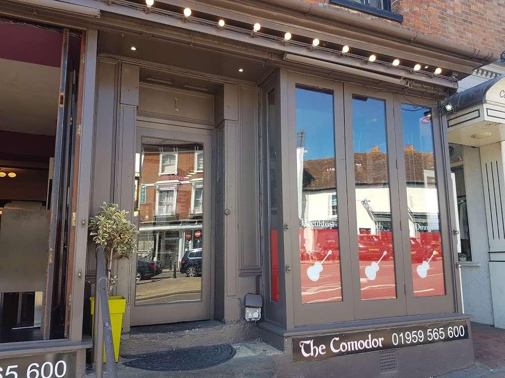 Pizza Comodor - restaurant  | Photo 3 of 6 | Address: 1 Market Square, Westerham TN16 1AN, UK | Phone: 01959 565600