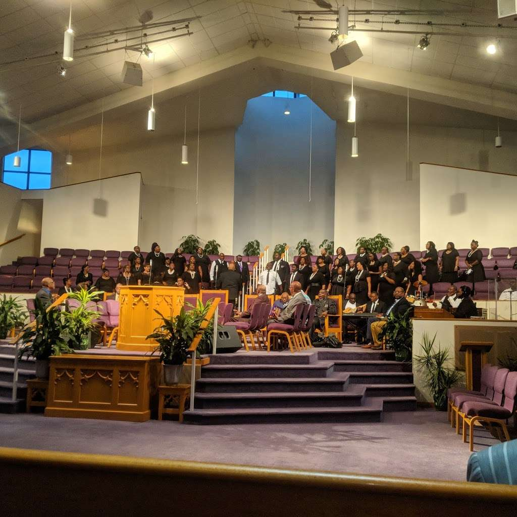 Freedom Temple Church of God - church  | Photo 5 of 10 | Address: 1459 W 74th St, Chicago, IL 60636, USA | Phone: (773) 483-1140
