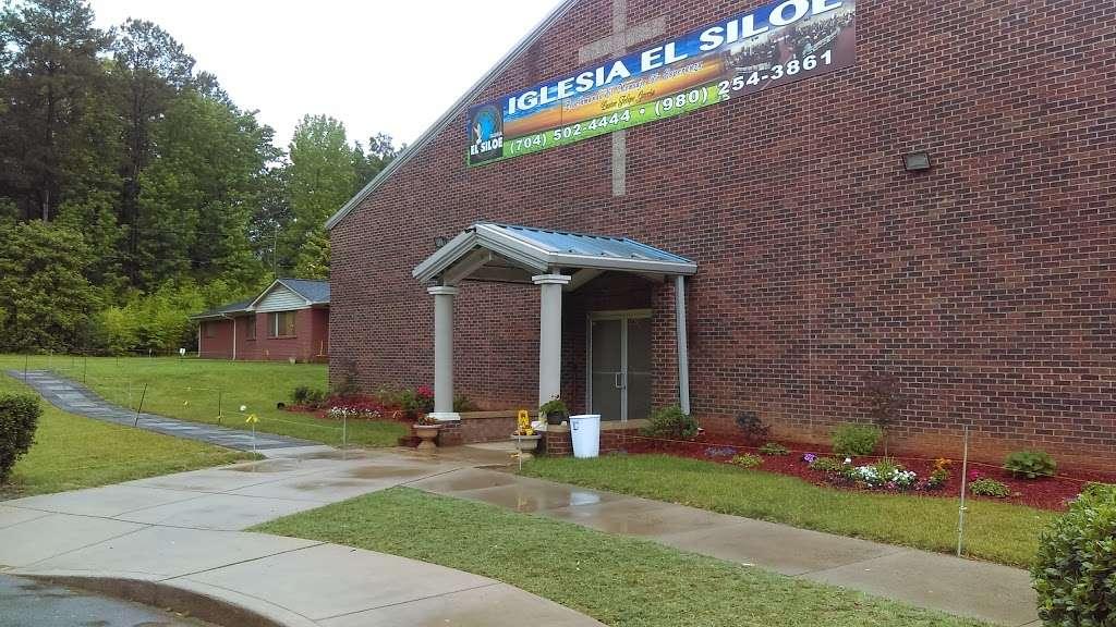 Iglesia El Siloe - church  | Photo 1 of 10 | Address: 5420 Kimmerly Glen Ln, Charlotte, NC 28215, USA | Phone: (704) 502-4444