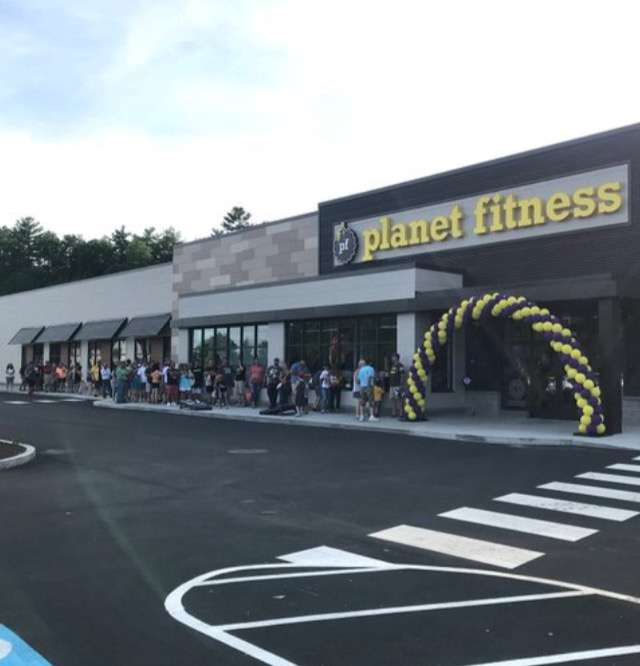 Planet Fitness - gym  | Photo 3 of 8 | Address: 360 Daniel Webster Hwy Ste103, Merrimack, NH 03054, USA | Phone: (603) 717-3446