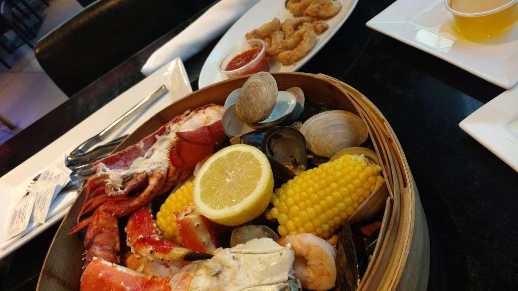 River Dock Cafe - restaurant  | Photo 2 of 10 | Address: 1 Richmond Terrace, Staten Island, NY 10301, USA | Phone: (347) 354-3598