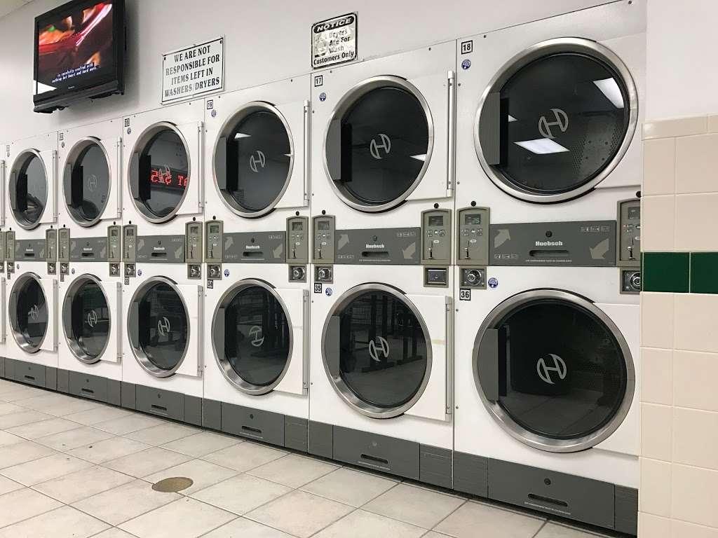 Riverside Laundromat - laundry  | Photo 2 of 4 | Address: 26 River Rd, North Arlington, NJ 07031, USA | Phone: (201) 955-3114