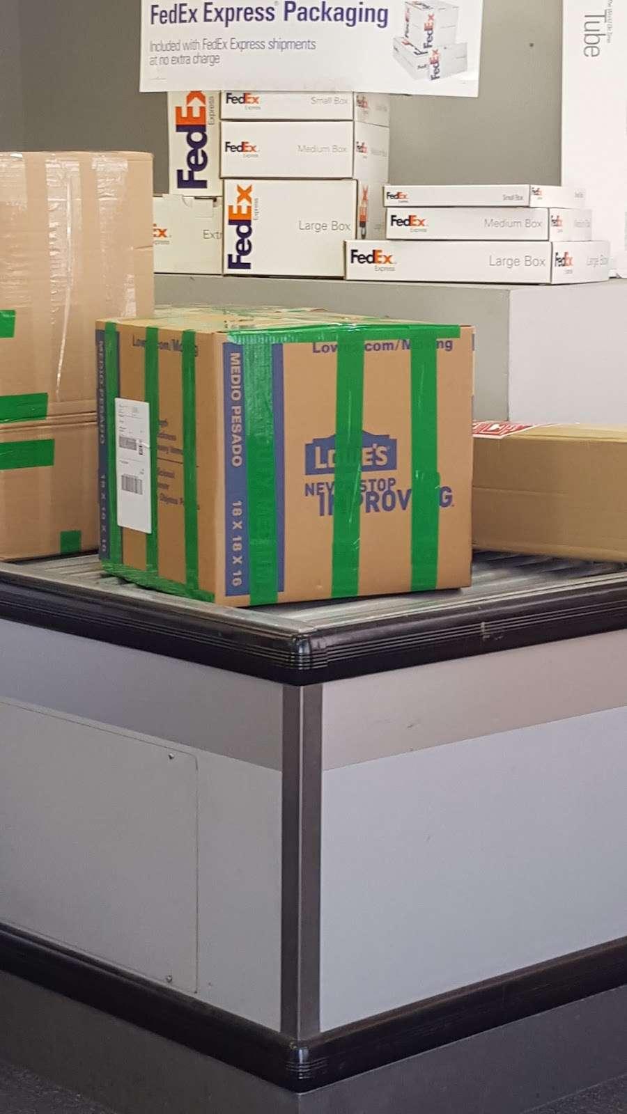 FedEx Ship Center - store    Photo 7 of 10   Address: 12600 S Prairie Ave, Hawthorne, CA 90250, USA   Phone: (800) 463-3339