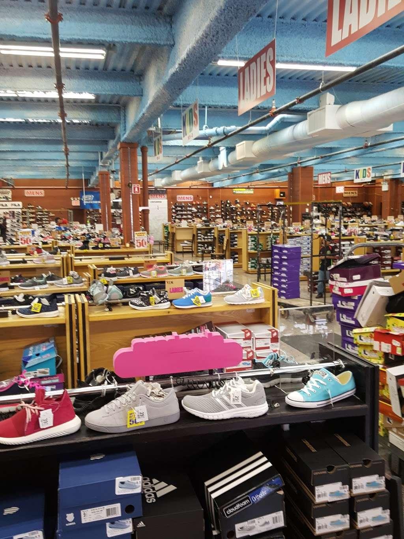 V.I.M. - clothing store  | Photo 2 of 10 | Address: 2265 E Tremont Ave, The Bronx, NY 10462, USA | Phone: (347) 281-8747