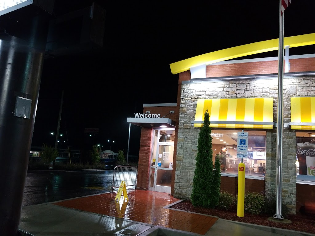 McDonalds - cafe  | Photo 2 of 10 | Address: 350 S Cannon Blvd, Kannapolis, NC 28081, USA | Phone: (704) 933-9554