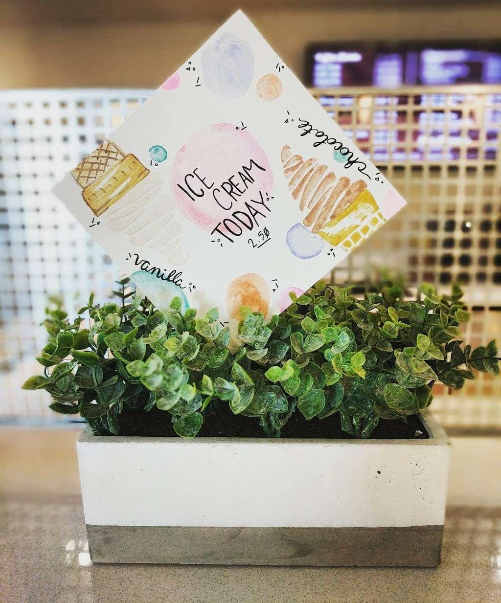 Gateway Cafe - cafe  | Photo 2 of 4 | Address: 3210 E Guasti Rd, Ontario, CA 91761, USA