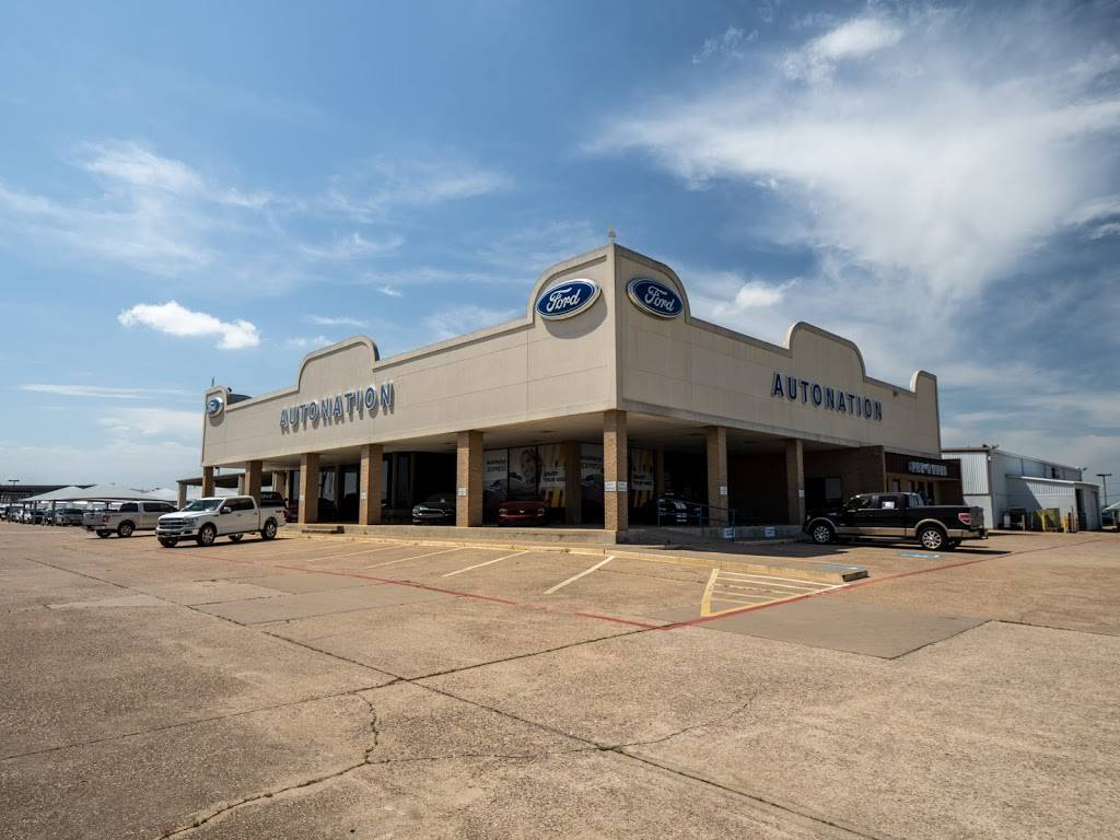 AutoNation Ford South Fort Worth - car dealer  | Photo 6 of 8 | Address: 5300 Campus Dr, Fort Worth, TX 76119, USA | Phone: (817) 522-3225