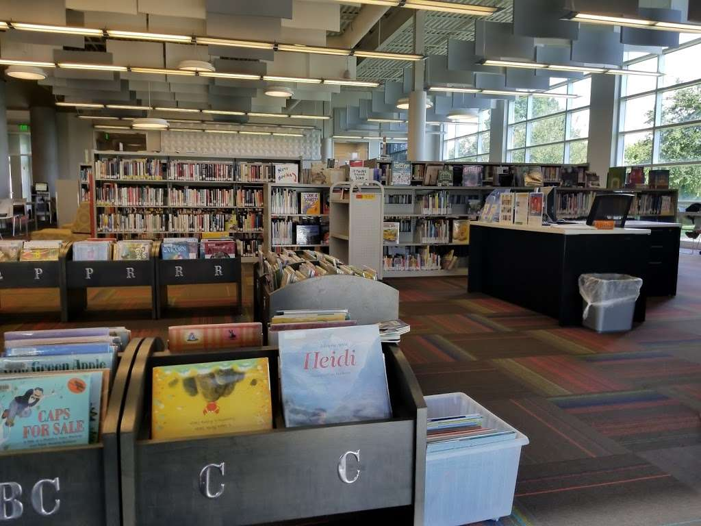 West Osceola Branch Library - library  | Photo 6 of 10 | Address: 305 Campus St, Kissimmee, FL 34747, USA | Phone: (407) 742-8888